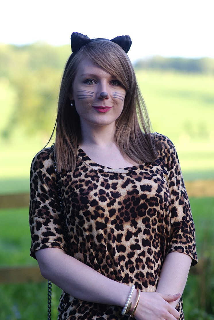 lorna-burford-sexy-cat-leopard
