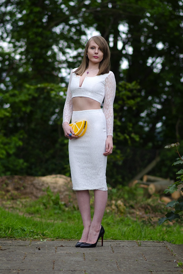 tight-white-lace-skirt-blogger