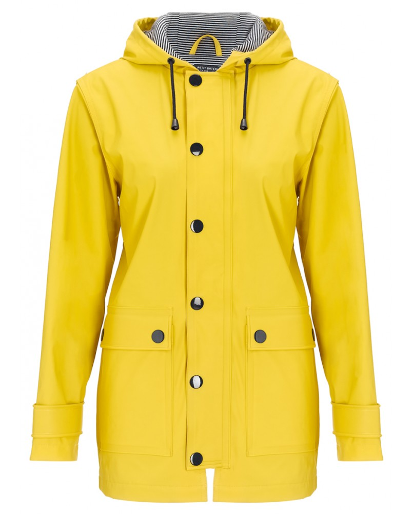 The Classic Yellow Rain Coat Trend | Raindrops of Sapphire