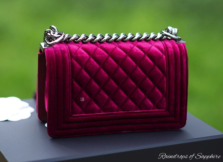 chanel-velvet-small-boy-bordeaux-bag-back