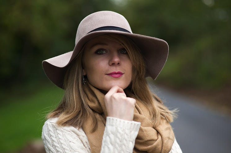 fashion-blogger-lorna-burford-hat