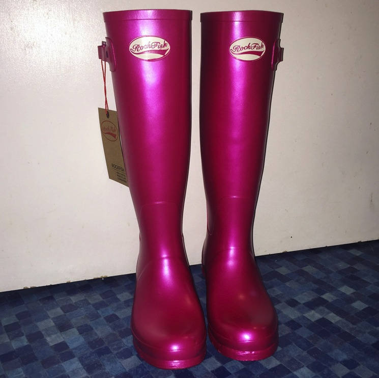 rockfish-blush-metallic-pink-wellies