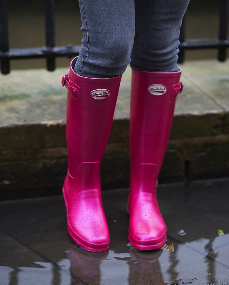 rockfish-wellies-blush-metallic-pink-blogger
