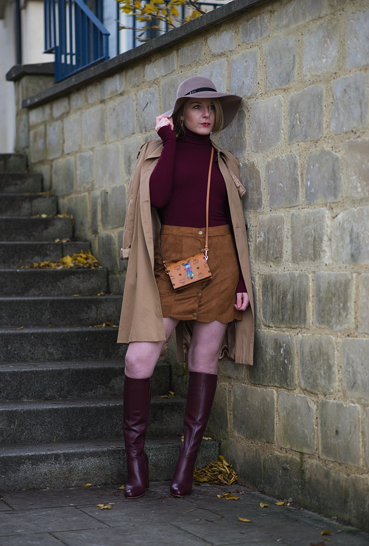 70's-suede-skirt-roll-neck-outfit