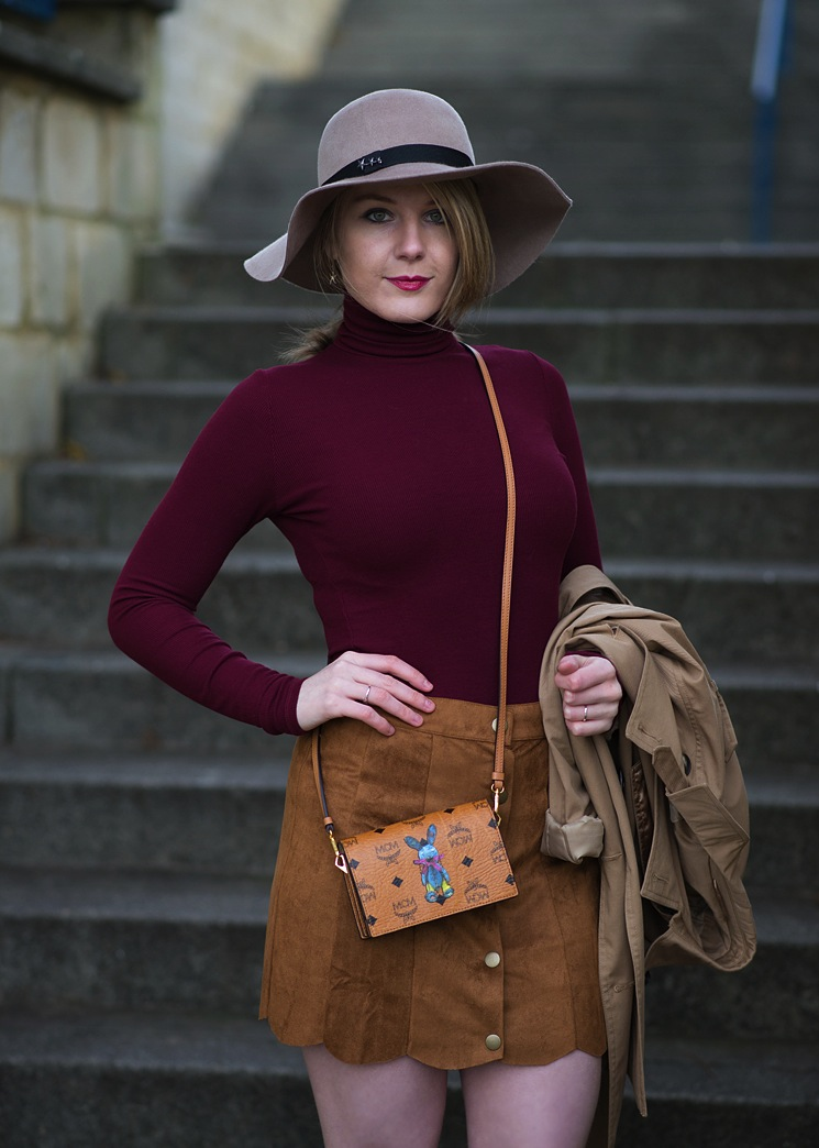 lorna-burford-70s-outfit