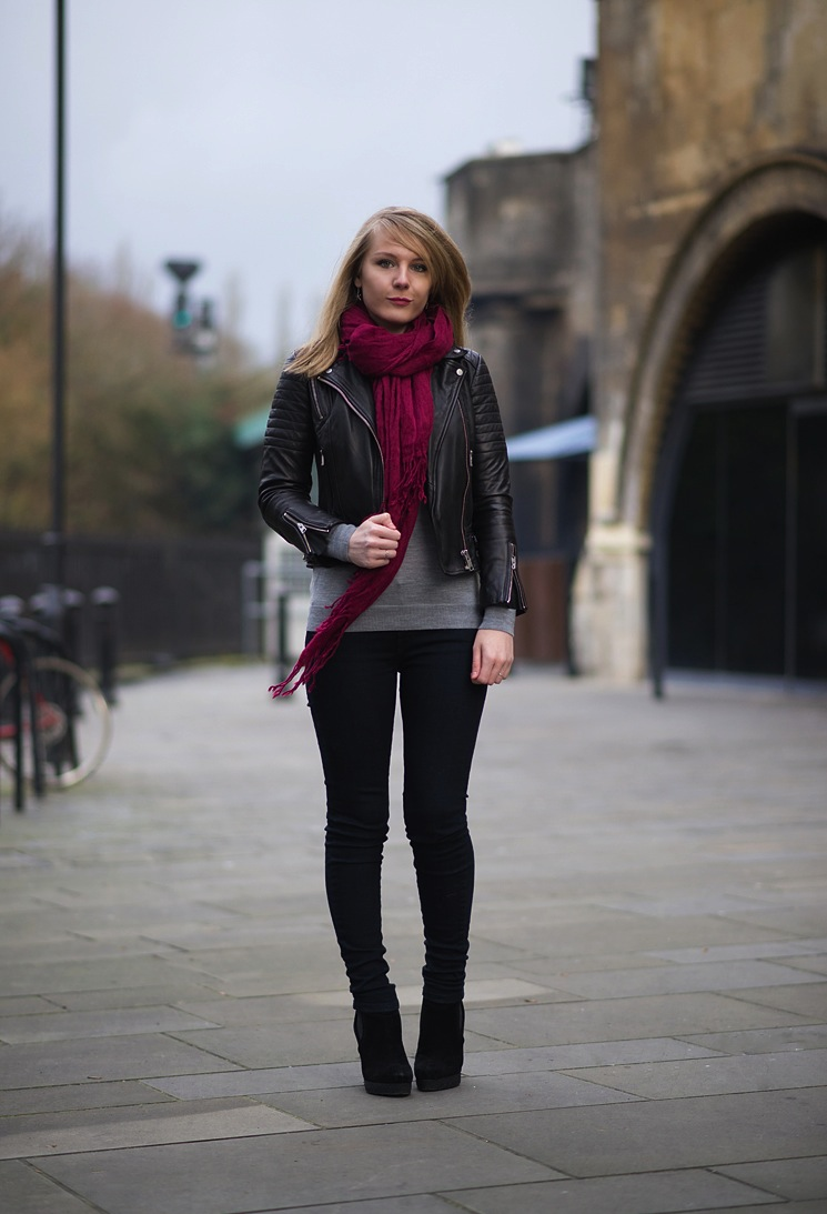 biker-leather-jacket-jeans-outfit