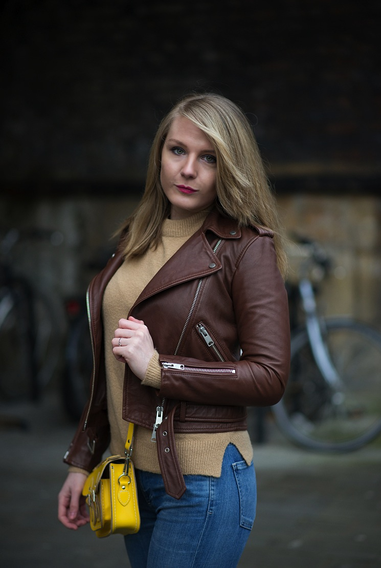 brown-tan-leather-jacket-sexy-girl