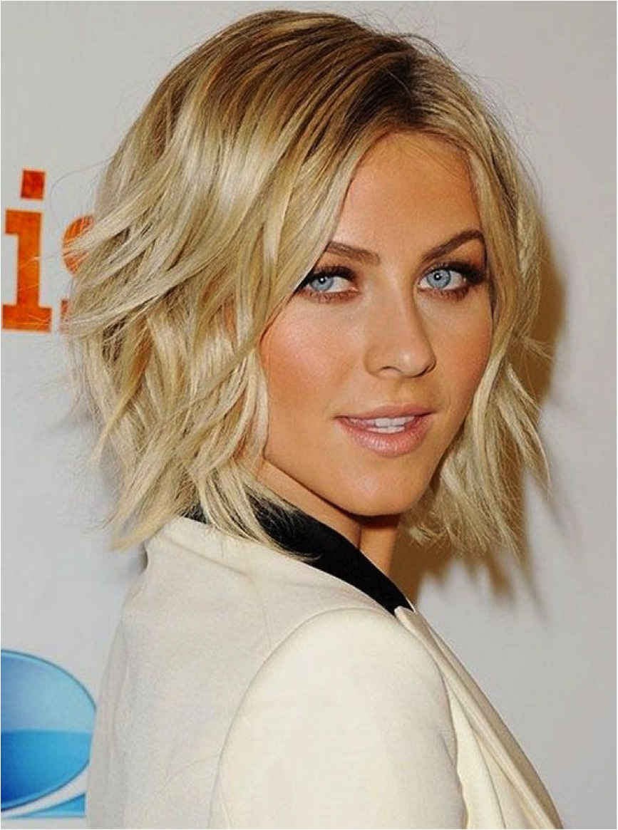 Textured-Shoulder-Length-Haircuts-For-Layered-Blonde-Hair