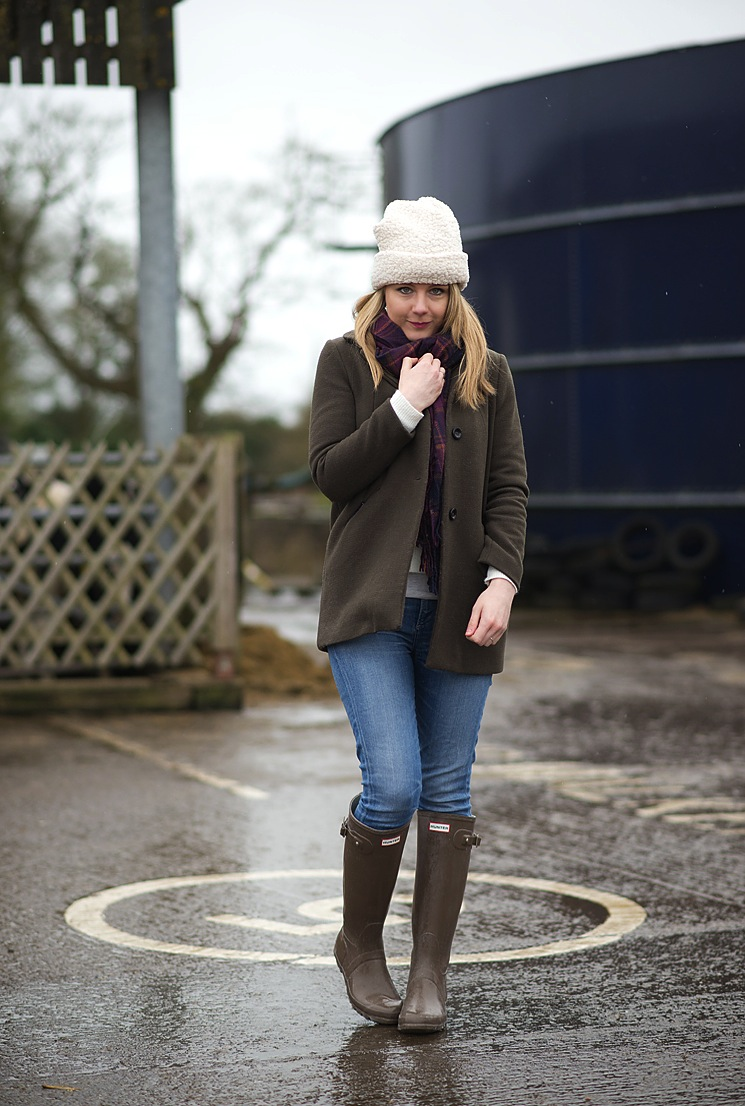 Down At The Farm In Hunter Wellies  Raindrops Of Sapphire-5169