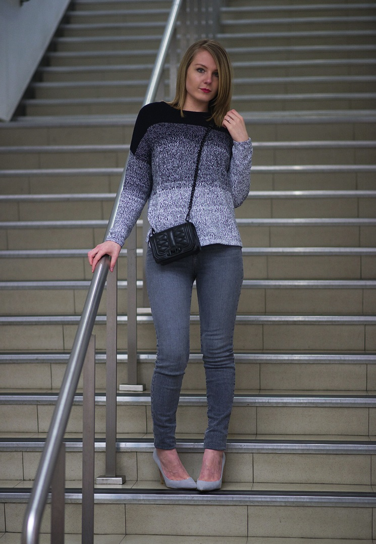 fashion-blogger-monochrome-grey-outfit