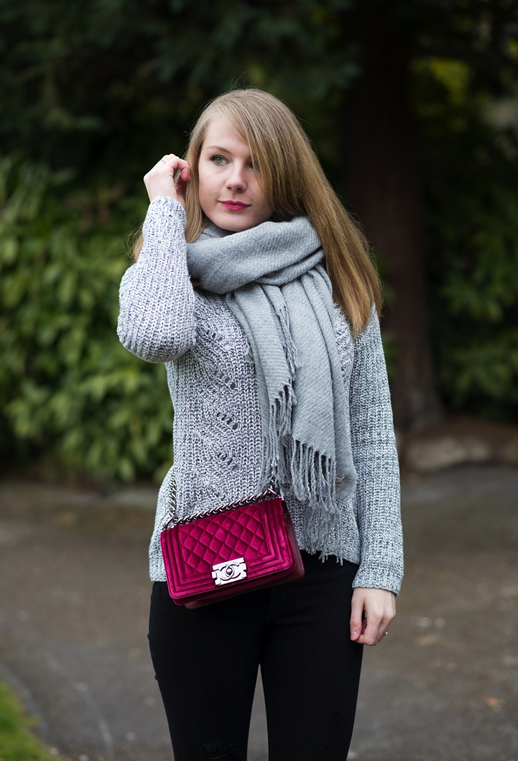 grey-scarf-jumper-with-chanel