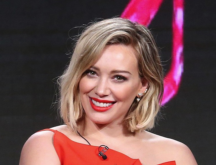 hilary-duff-short-blonde-hair