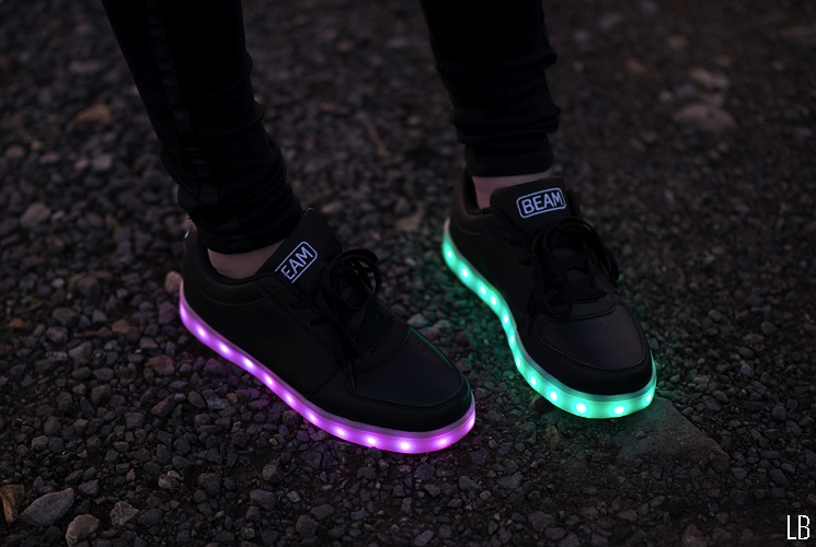 purple-blue-lights-flashing-shoes