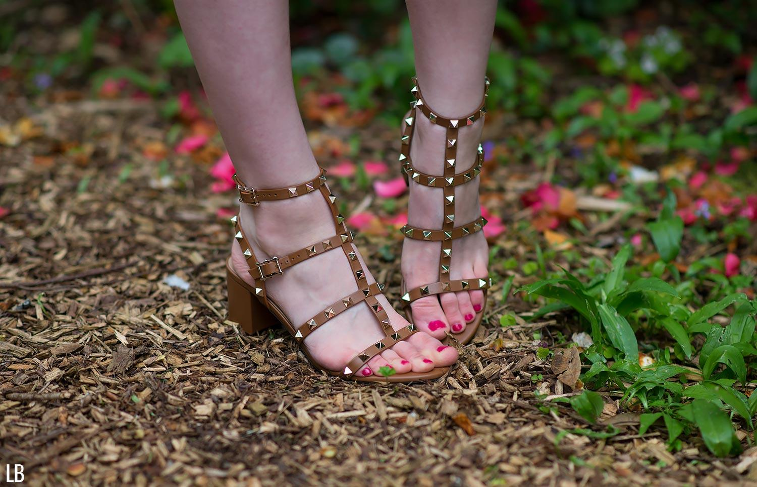 valentino city rockstud sandals tobacco brown 2
