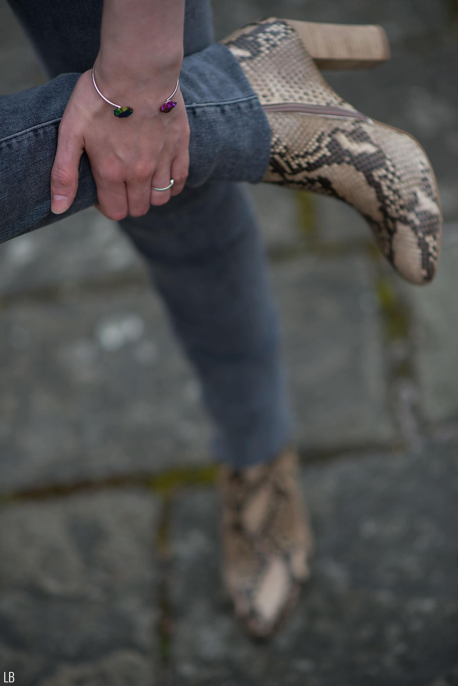 ted-muffy-snake-skin-boots-topshop-rainbow-bangle