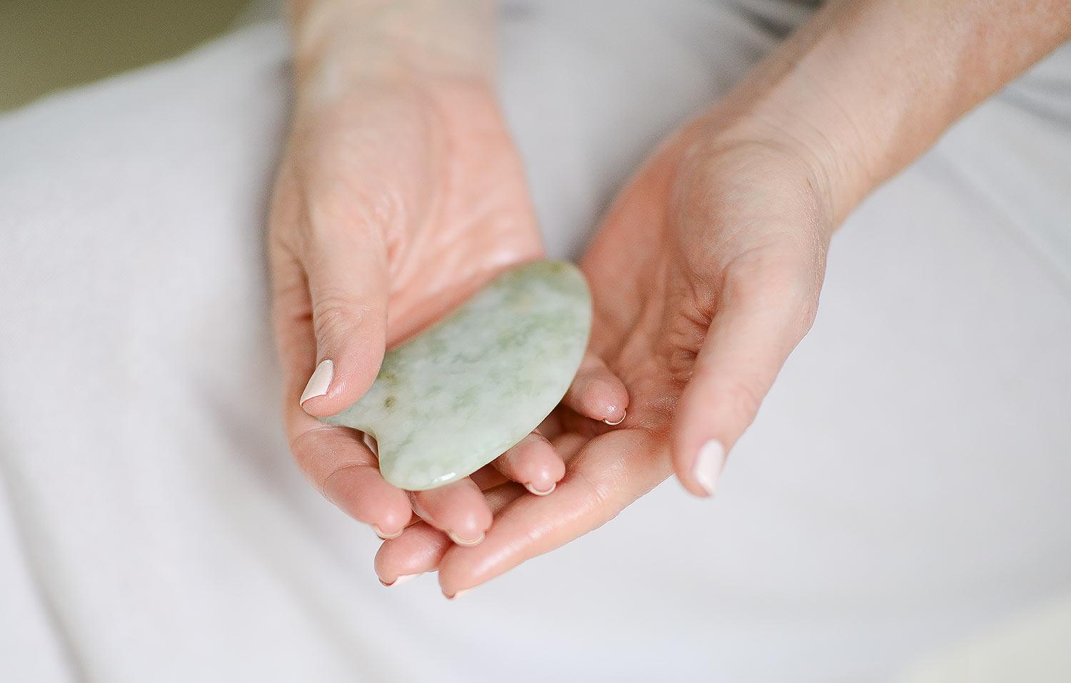 hayou-method-gua-sha-tool-jade