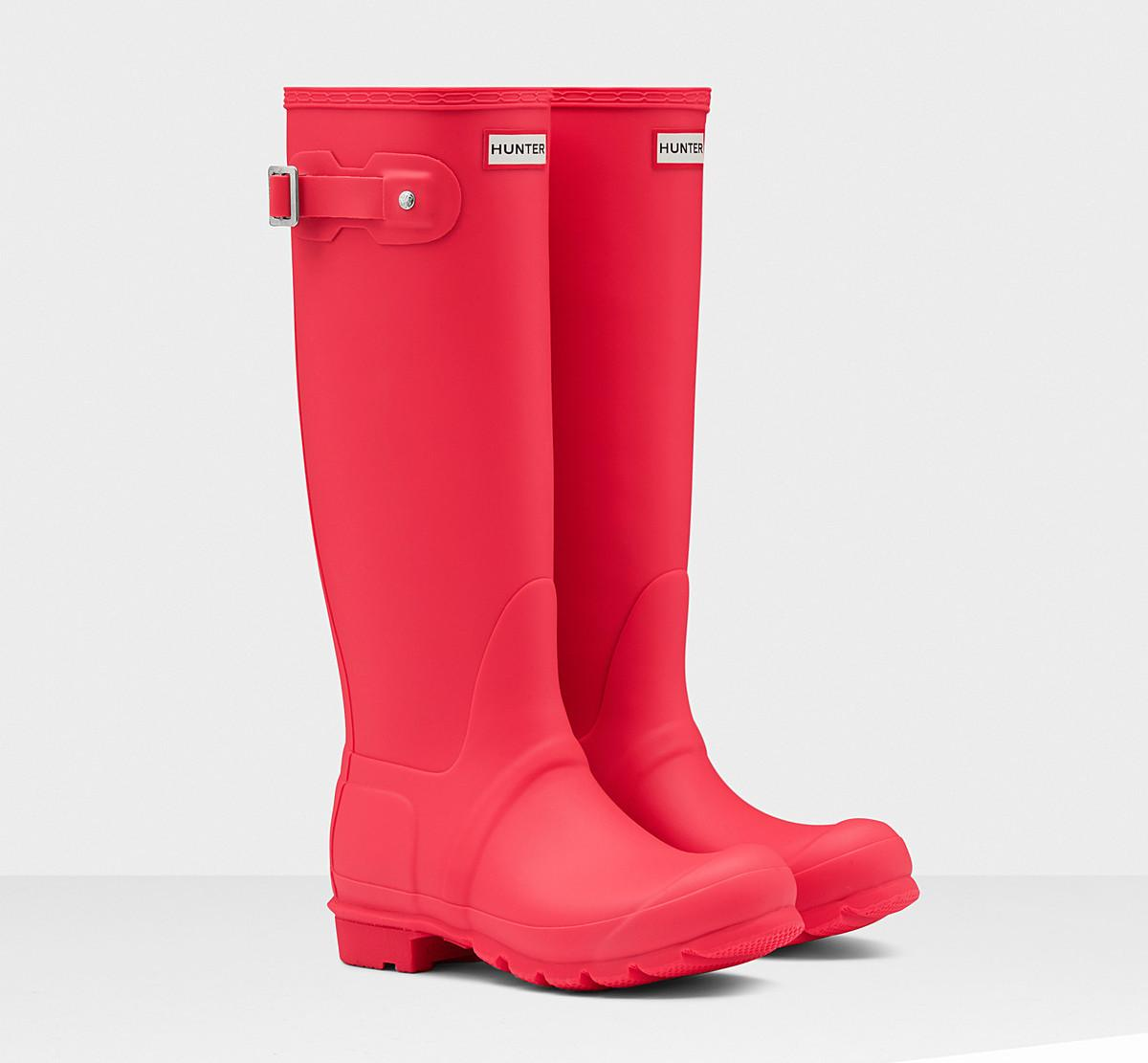 hunter-wellingtons-orange-coral