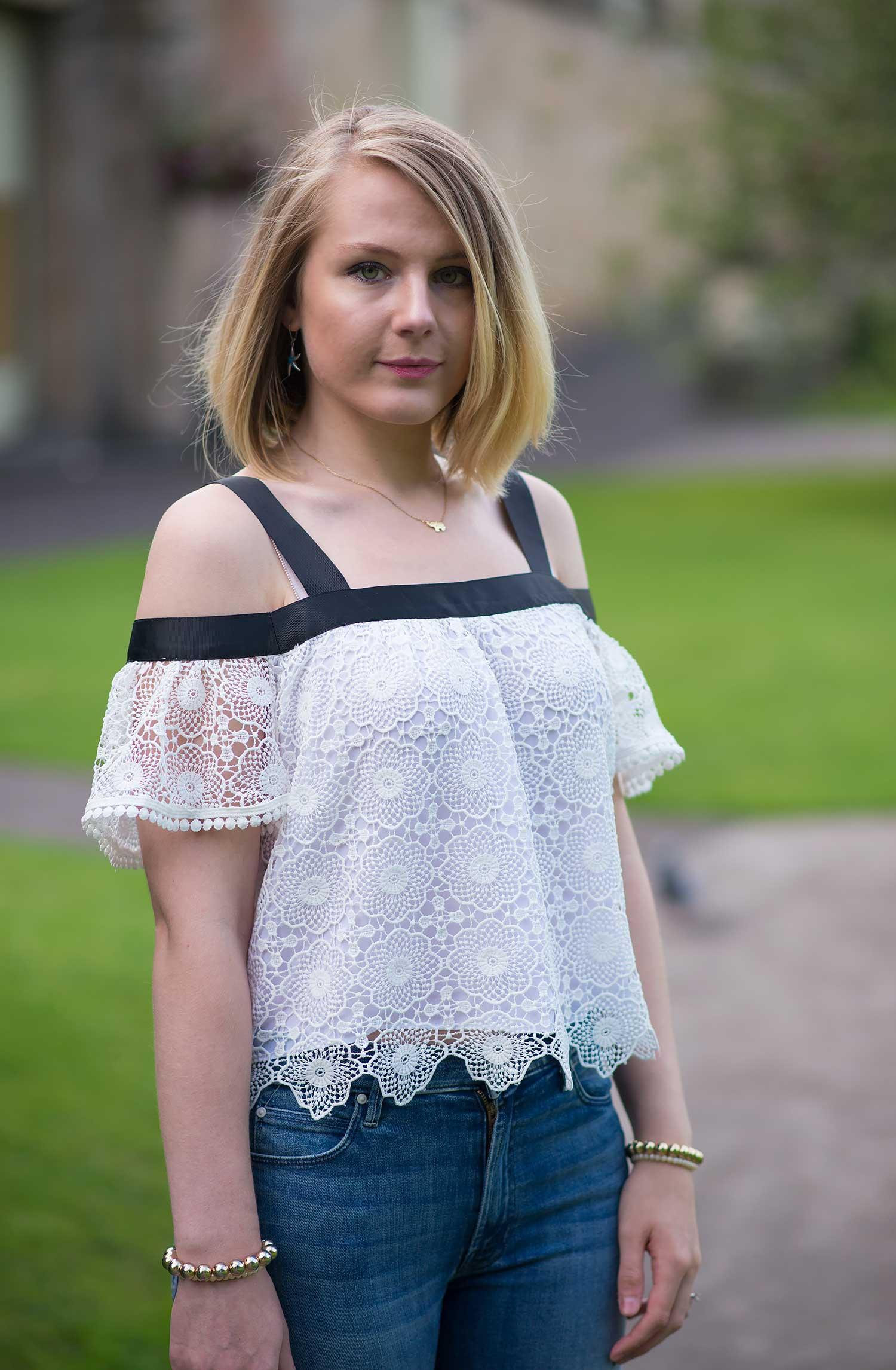 lorna-burford-topshop-cold-shoulder-lace-top-sexy