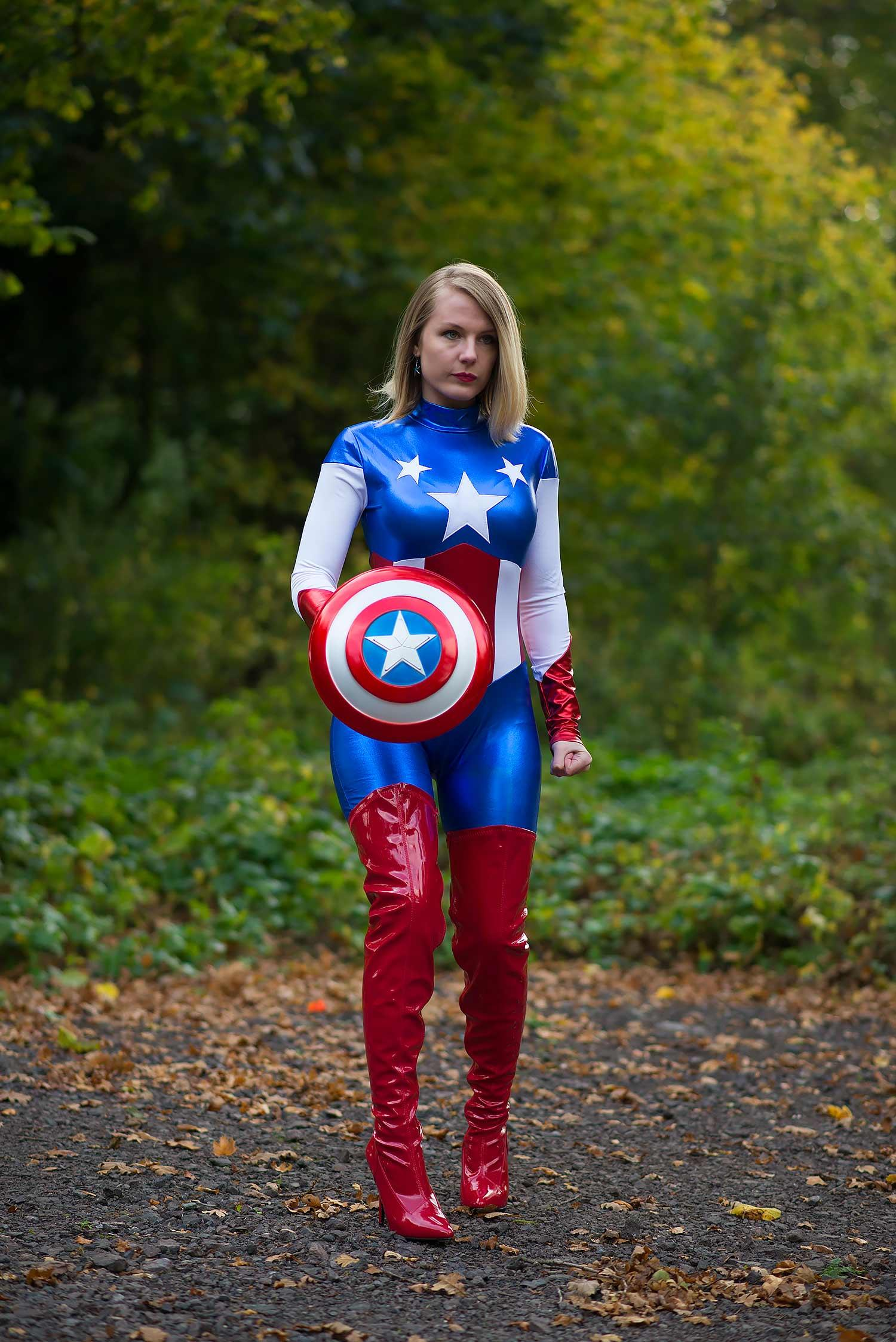 lorna-burford-miss-captain-america-costume-girl-2