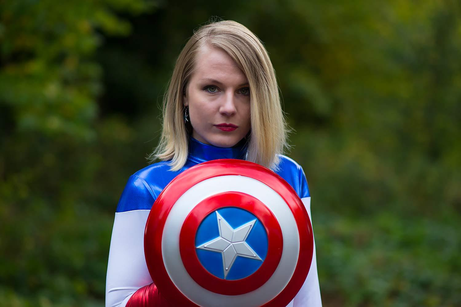lorna-burford-miss-captain-america-costume-girl-3