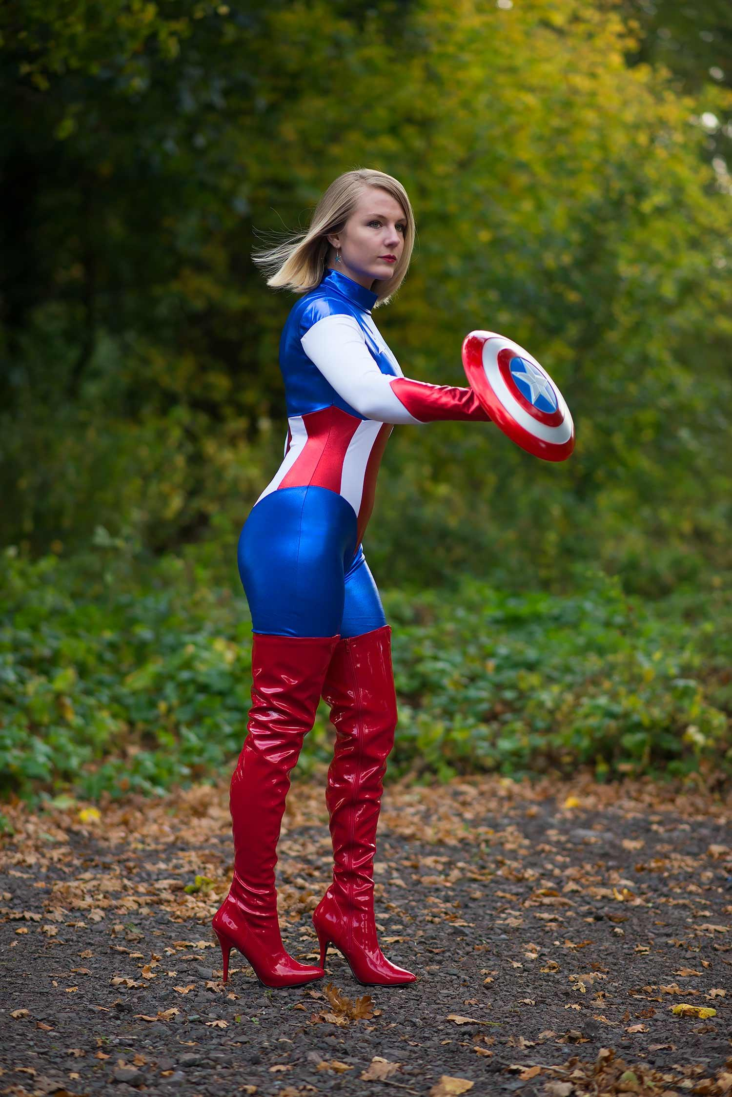 lorna-burford-miss-captain-america-costume-girl-4