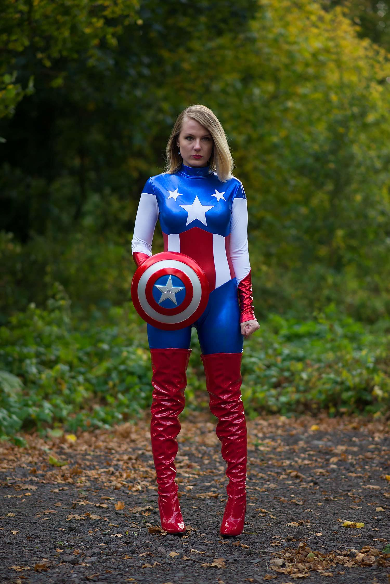 lorna-burford-miss-captain-america-costume-girl-6