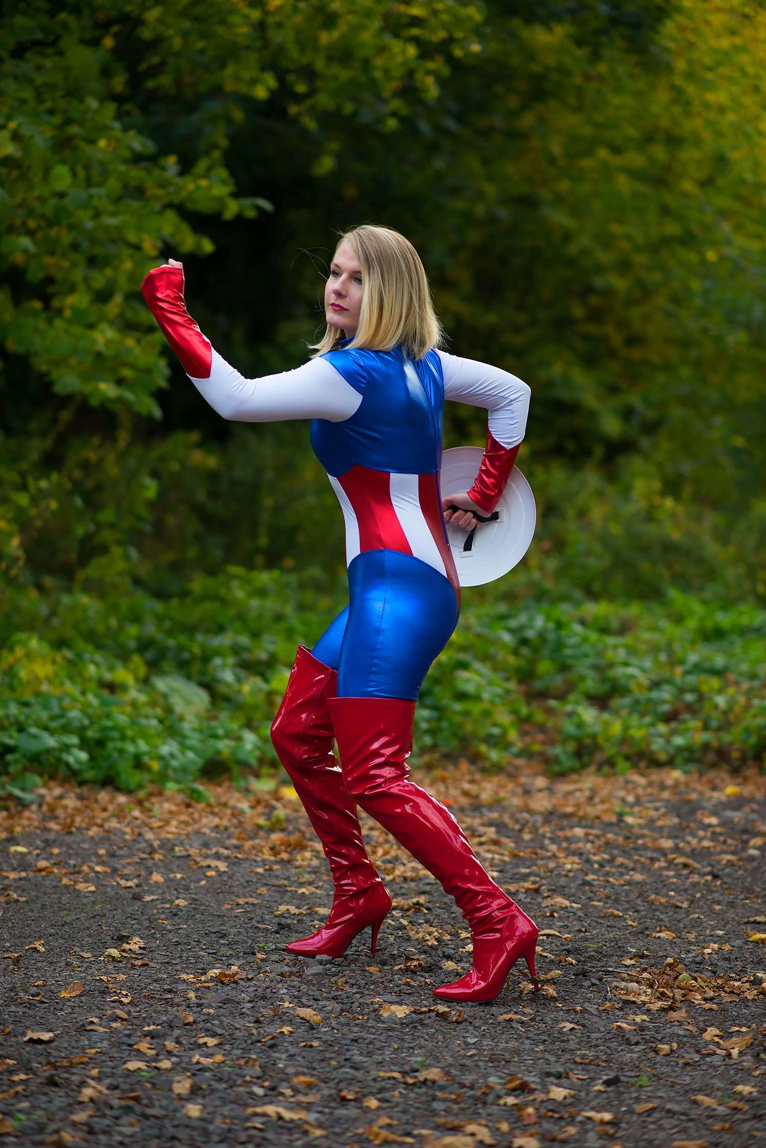 lorna-burford-miss-captain-america-costume-girl-7
