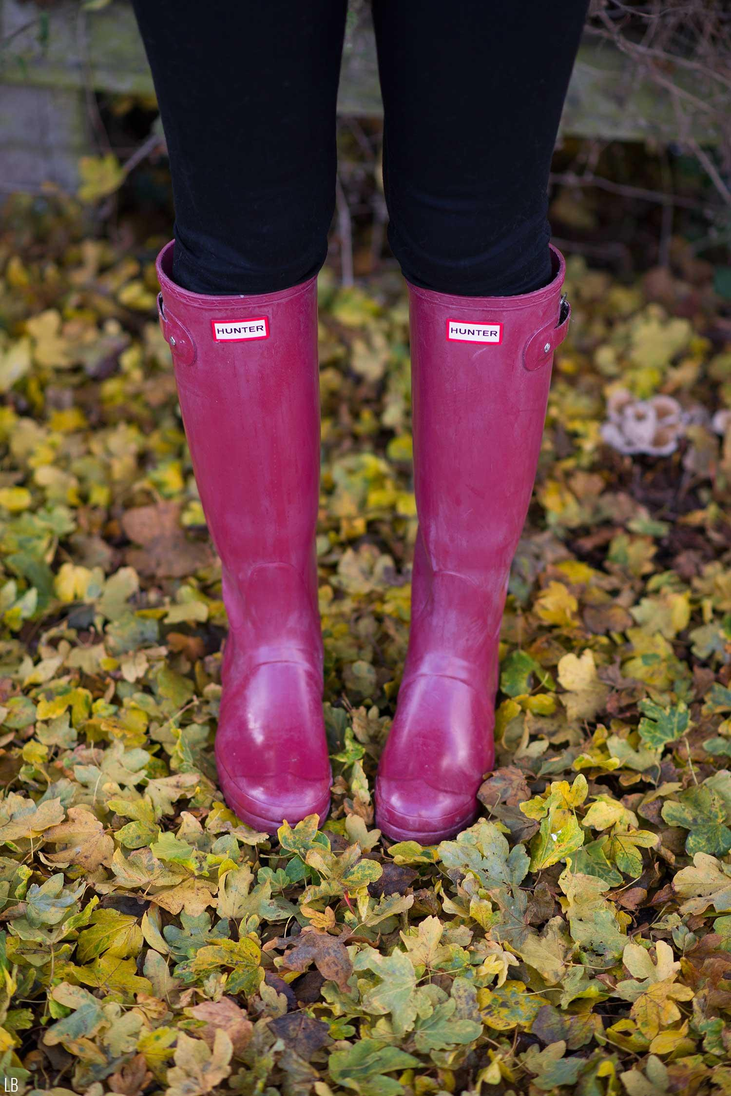 hunter-original-tall-wellies-wellingtons-red-damson