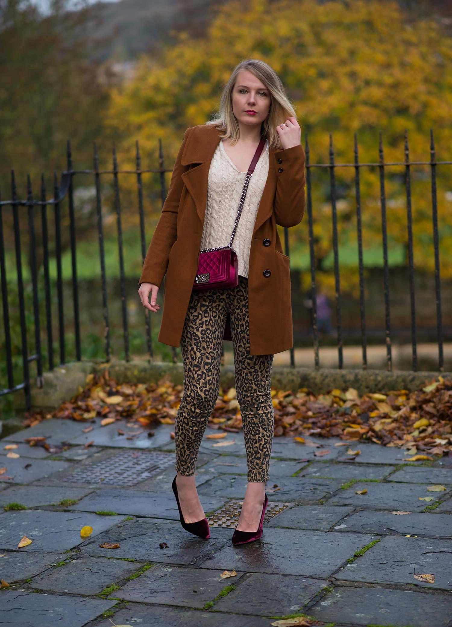 j-brand-leopard-print-skinny-jeans-outfit
