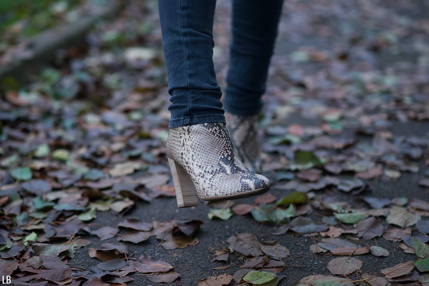 ted-muffy-snake-boots-print