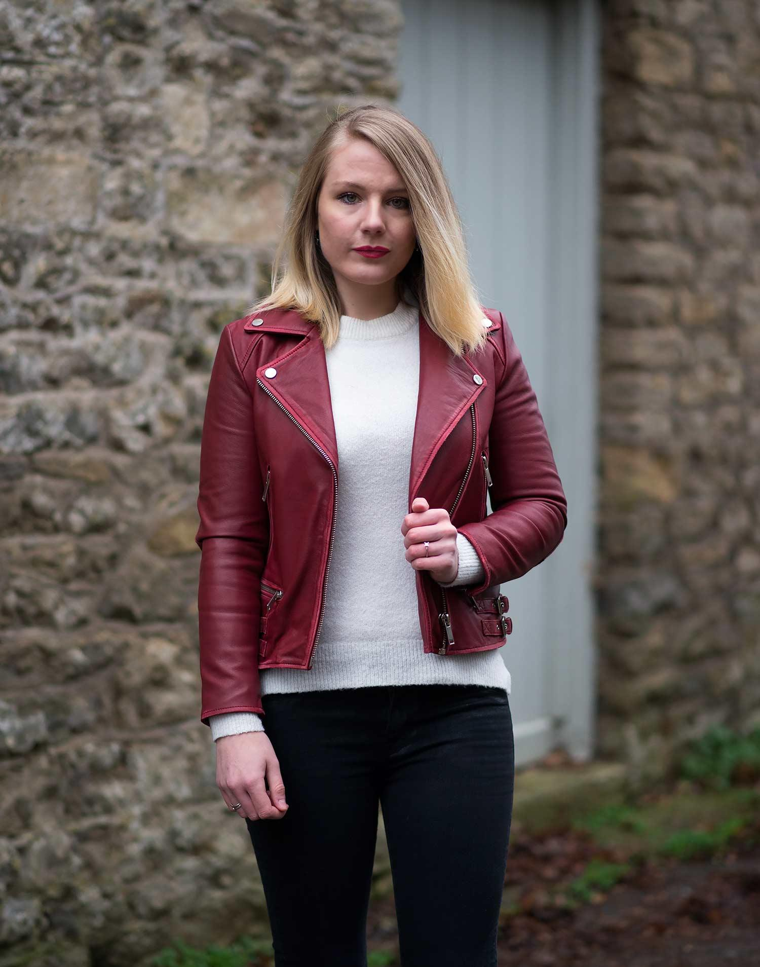 red-burgundy-leather-jacket-outfit
