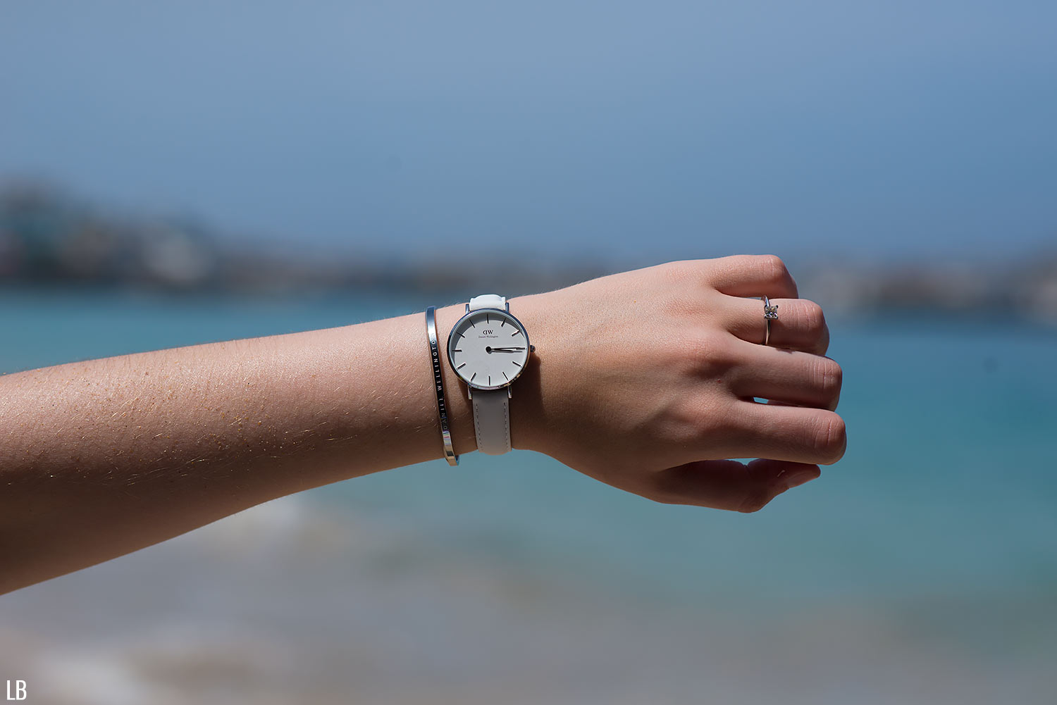 8e913a8cc0e1 Daniel Wellington Classic Petite Watch in Bondi White Review ...