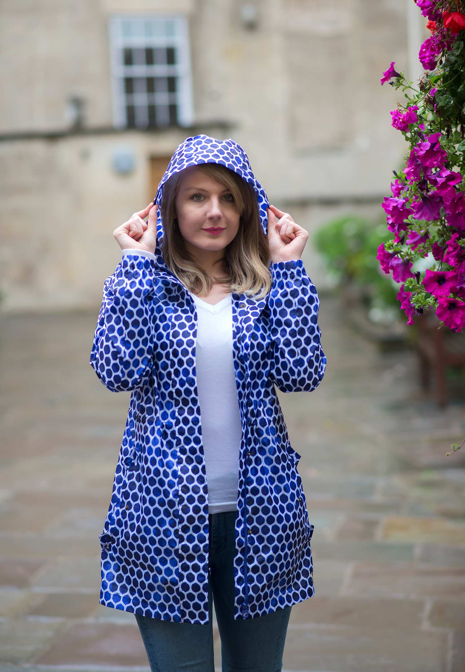 Joules Go Lightly Waterproof Packaway Parka Outfit