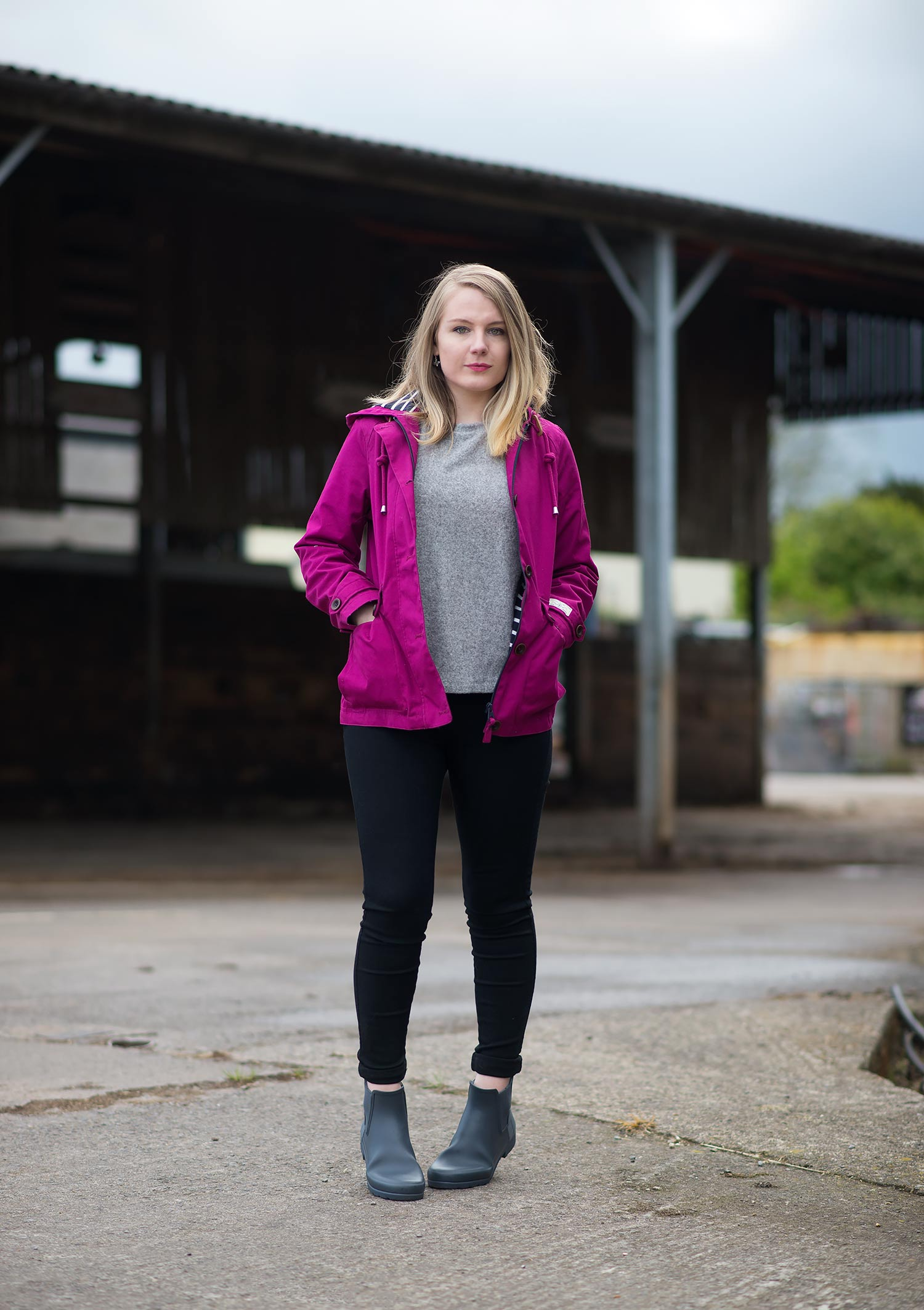 Joules Coast Waterproof Jacket With Hunter Refined Chelsea