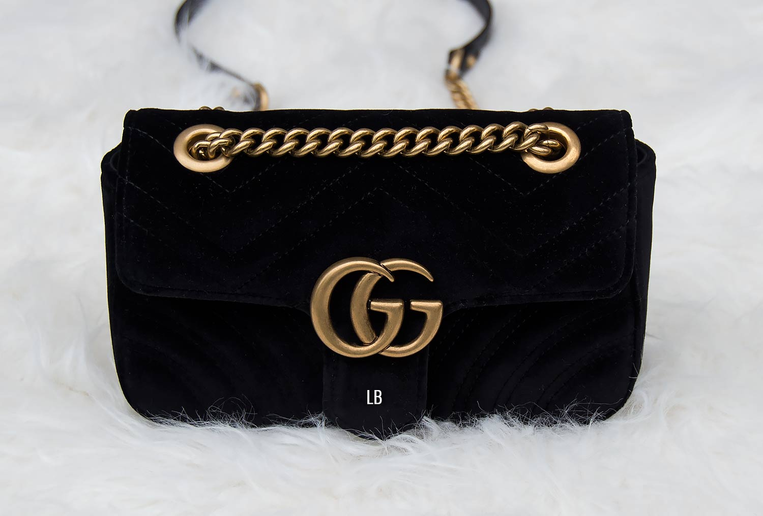 271b7266d Gucci GG Marmont Velvet Mini Bag Review | Raindrops of Sapphire